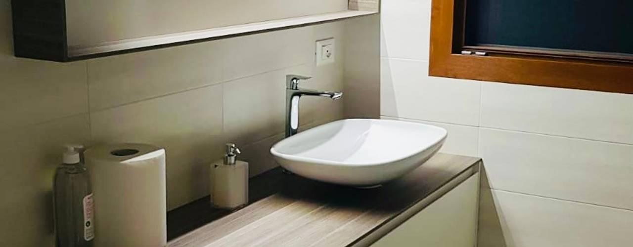 IL BAGNO. L&M design di Marelli Cinzia Bagno moderno Bianco