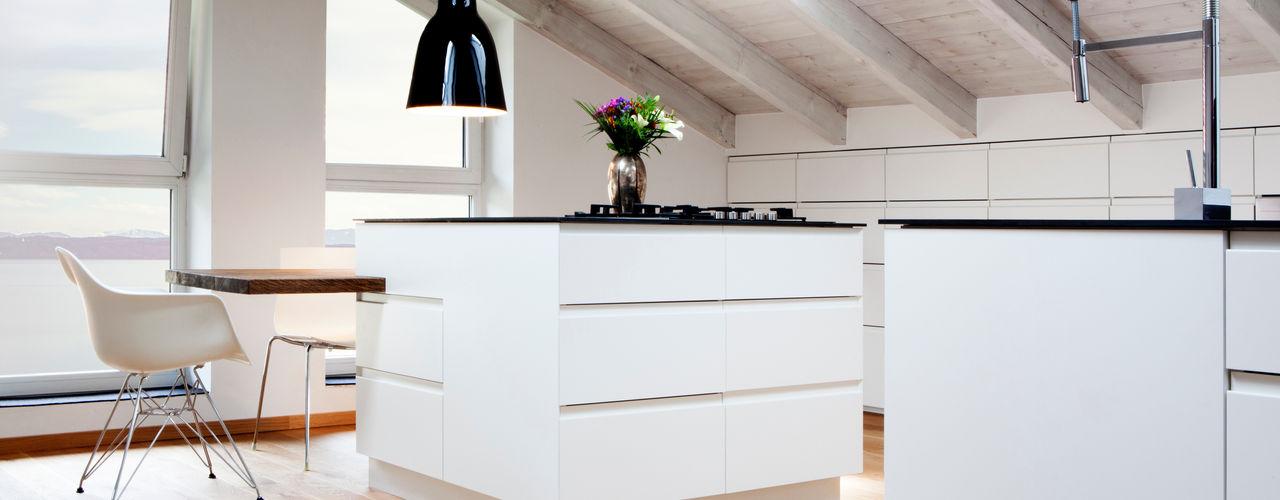 BESPOKE GmbH // Interior Design & Production Cozinhas rústicas