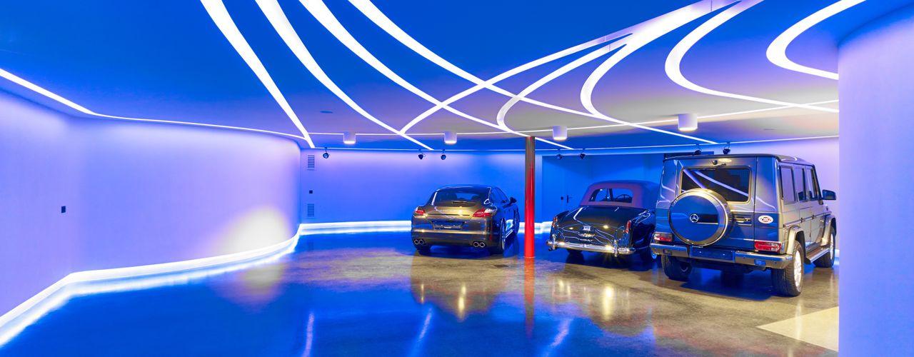 Private Garage and party room Tobias Link Lichtplanung Garajes y galpones de estilo moderno