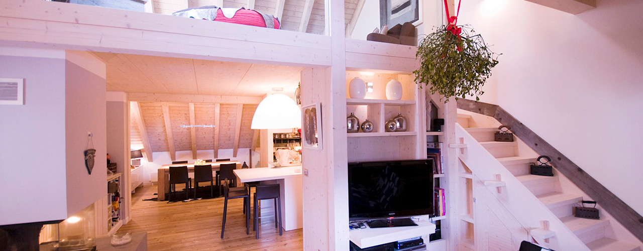 Appartamento B+T Architetto Beltrame Claudio Ingresso, Corridoio & Scale in stile scandinavo