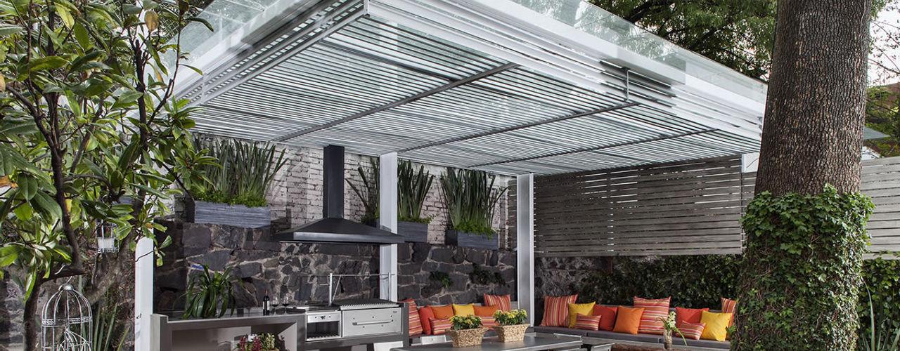 casa Limonero MARIANGEL COGHLAN Balcones y terrazas modernos