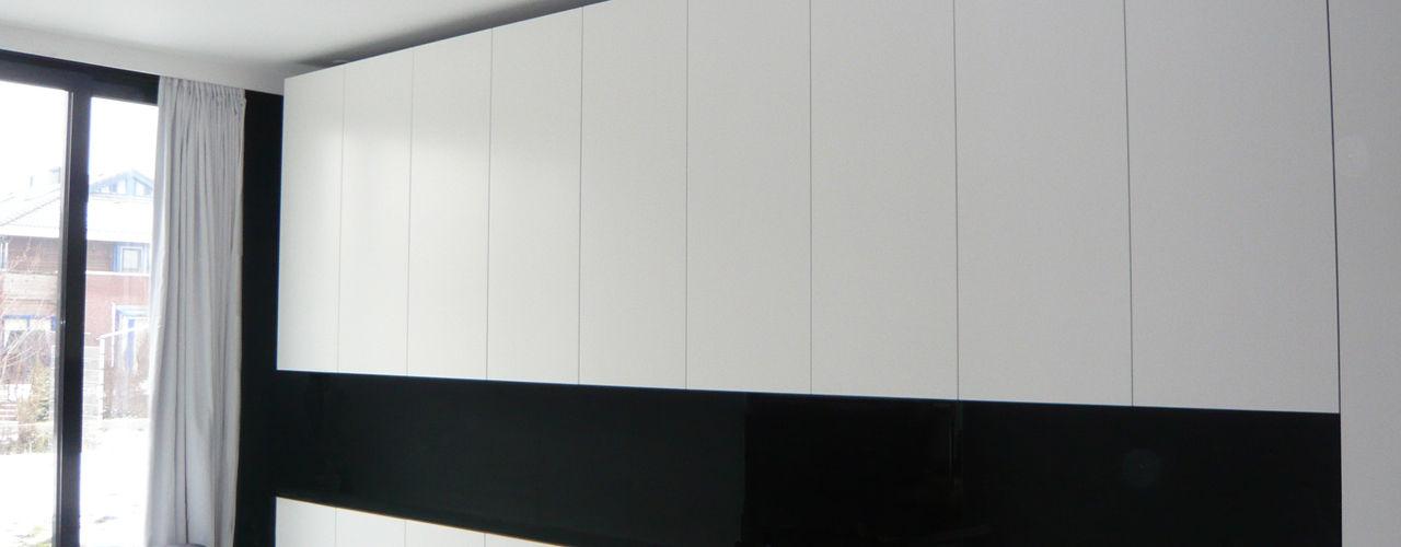 123DV Moderne Villa's Стіни