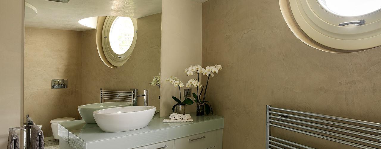 Studio d'Architettura MIRKO VARISCHI Modern bathroom
