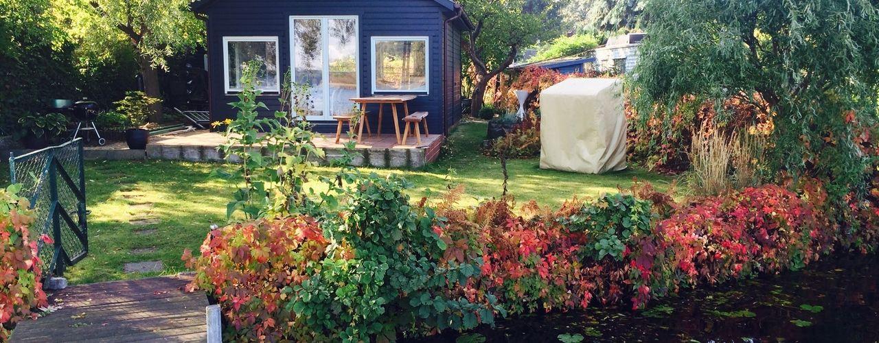 Gartenhaus am Wasser BlueGray Design Farrow & Ball u. Pure & Original Farben Klassische Häuser