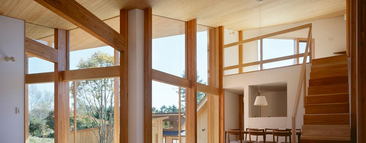 Villa Boomerang 森吉直剛アトリエ/MORIYOSHI NAOTAKE ATELIER ARCHITECTS Livings modernos: Ideas, imágenes y decoración