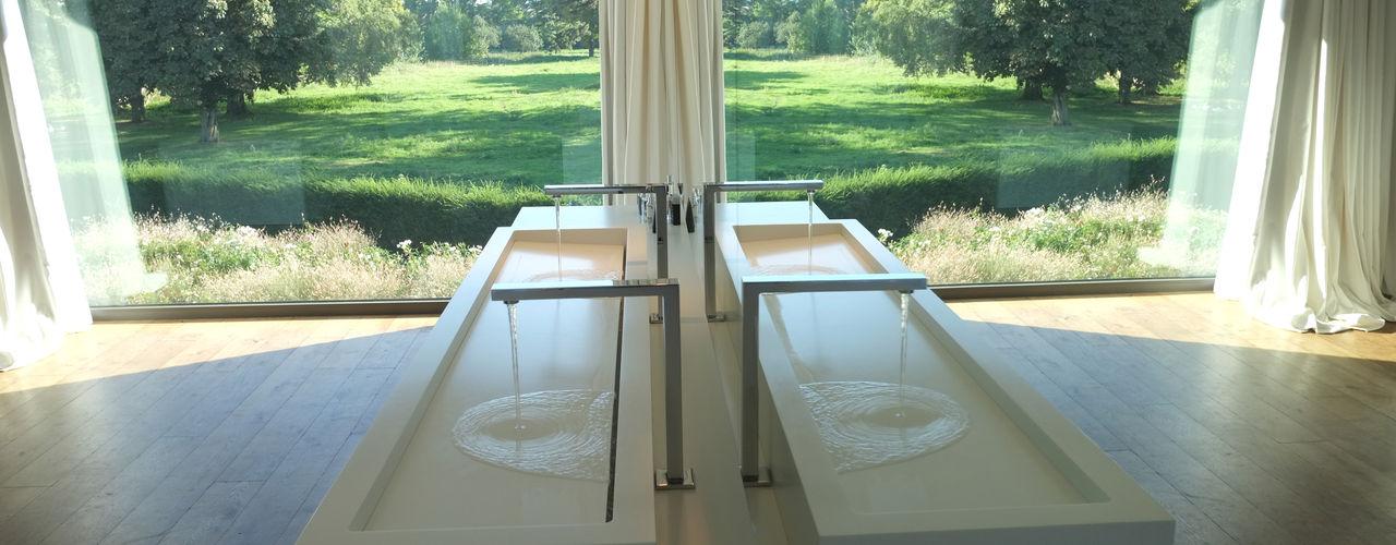Salle de bain GUILLAUME DA SILVA ARCHITECTURE INTERIEURE Salle de bain minimaliste