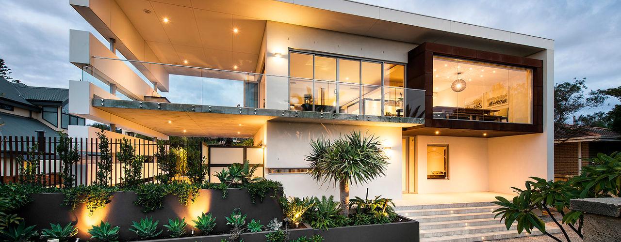 Designer Costal Home D-Max Photography Casas industriais
