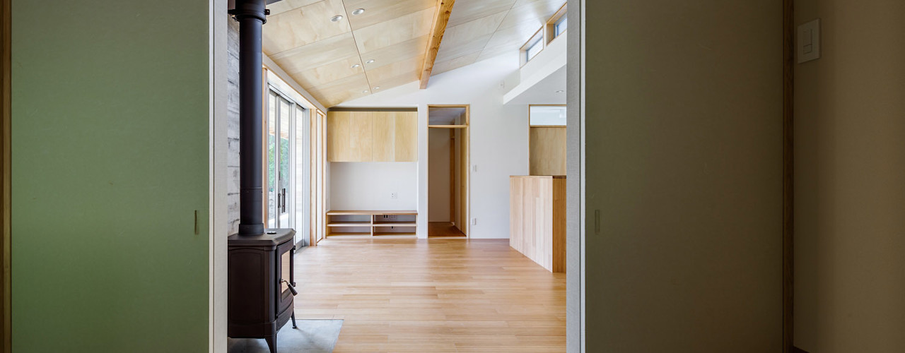 A House In The Fields 株式会社 中山秀樹建築デザイン事務所 Modern media room