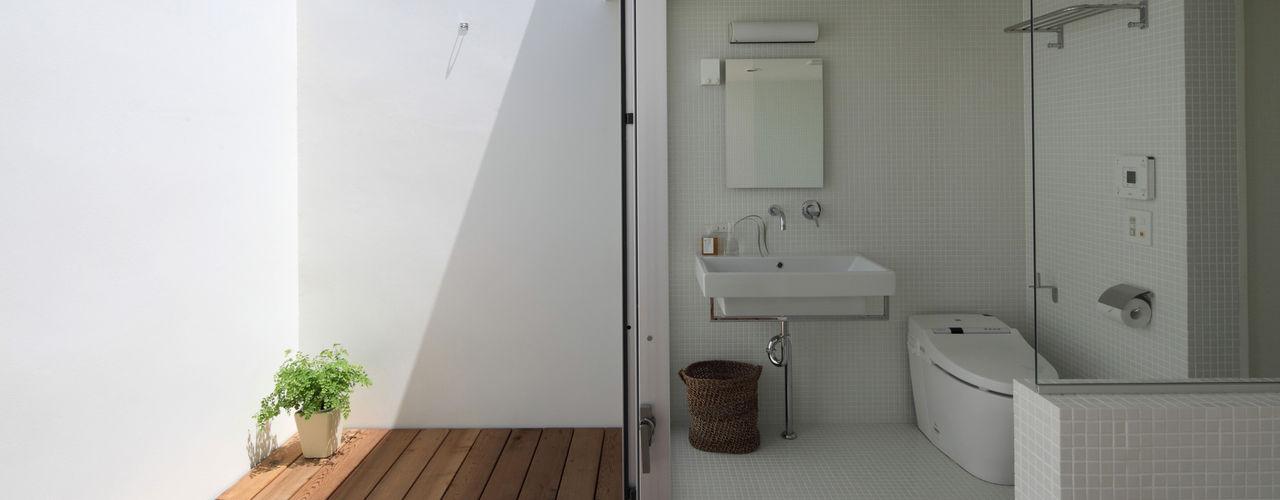 松原建築計画 一級建築士事務所 / Matsubara Architect Design Office Scandinavian style bathrooms