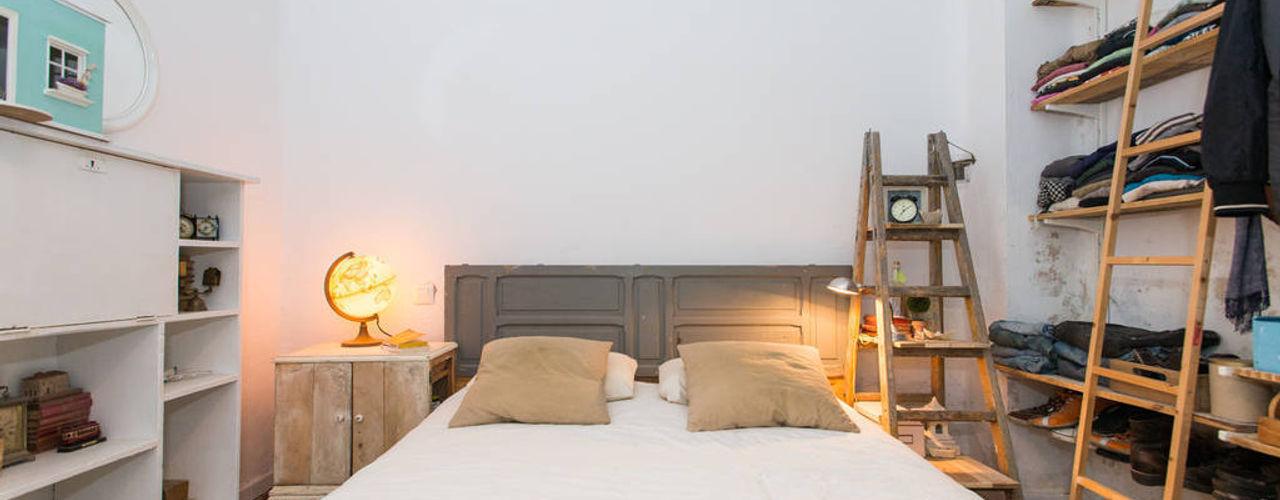 J Scandinavian style bedroom