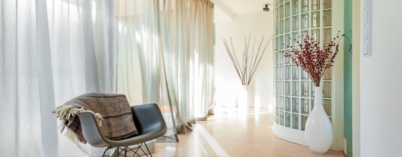 Flur Alexandra Flohs interior design Moderner Flur, Diele & Treppenhaus