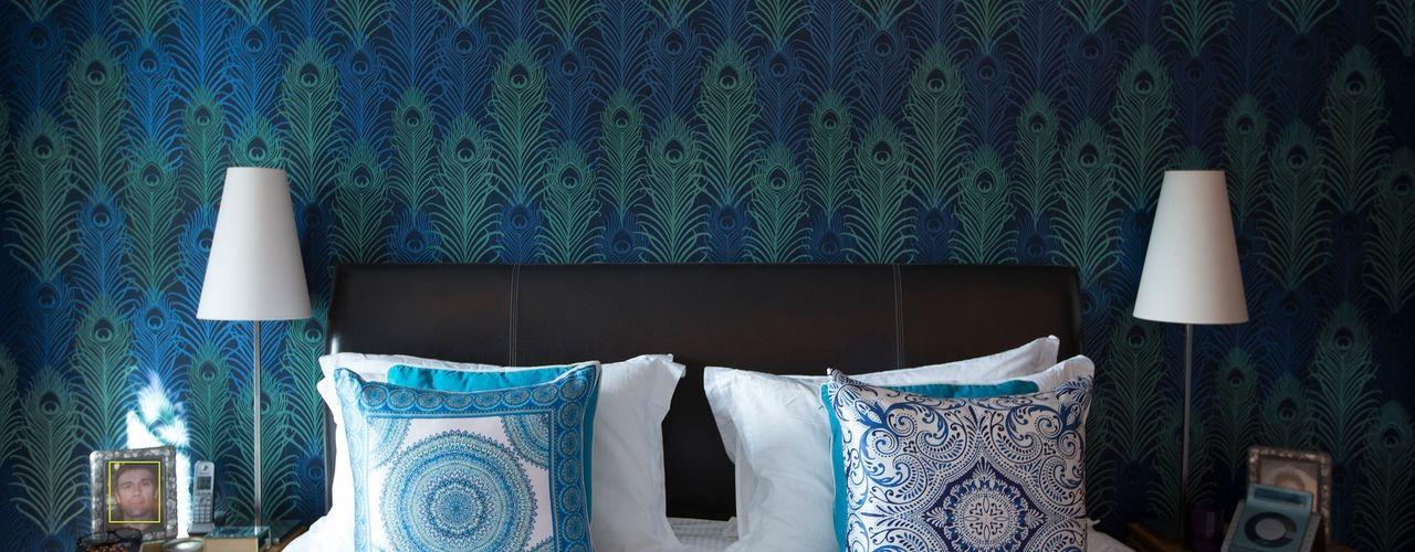 Peacock Wallpaper Feature Wall in White Bedroom Design by Deborah Ltd Habitaciones modernas