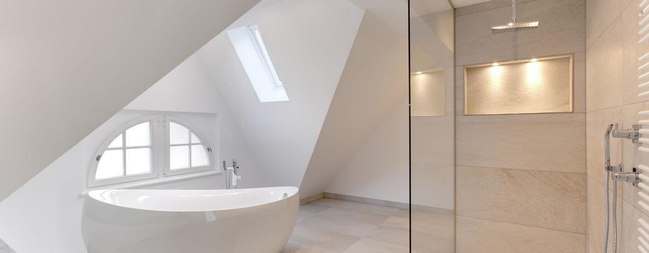 28 Grad Architektur GmbH ŁazienkaWanny i prysznice
