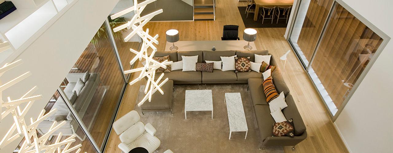 Jorge Belloch interiorismo 现代客厅設計點子、靈感 & 圖片