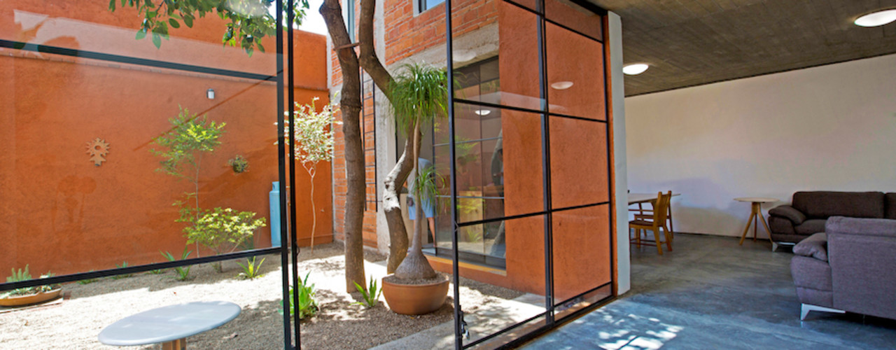 rOOtstudio Rumah Modern