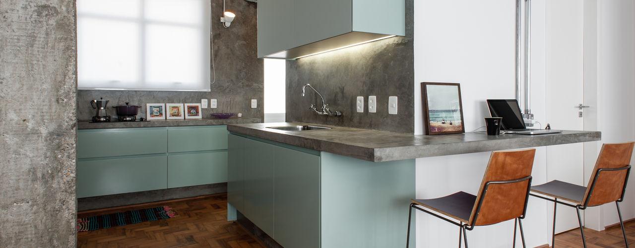 PM Arquitetura Industrial style kitchen