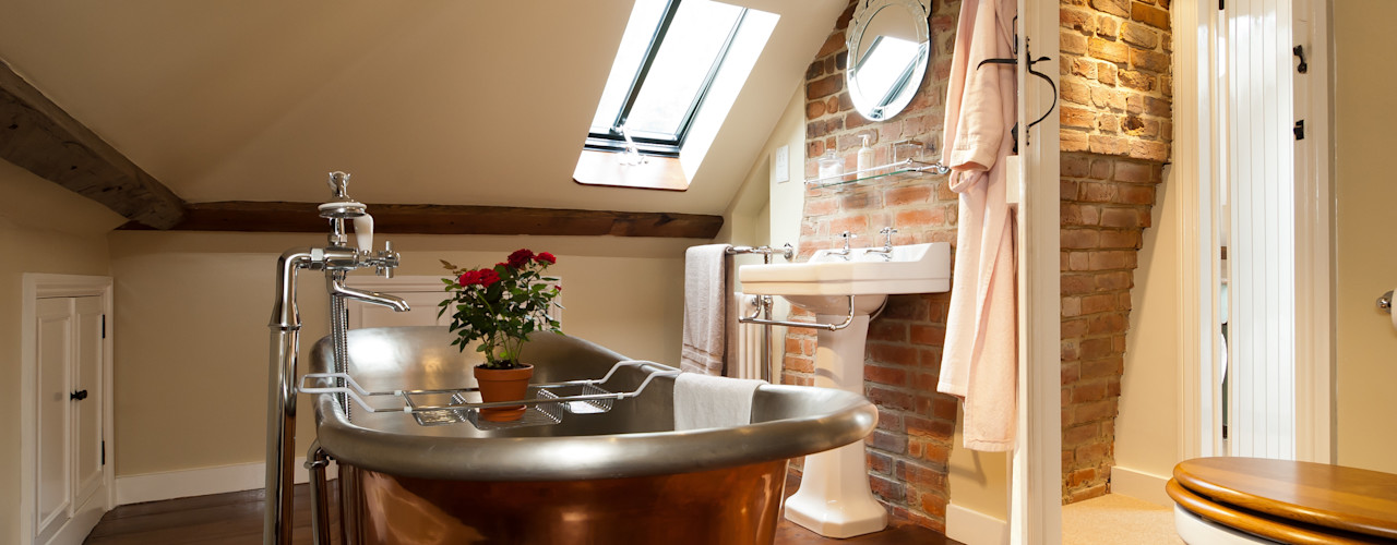 The Old Post Office A1 Lofts and Extensions Rustic style bathroom
