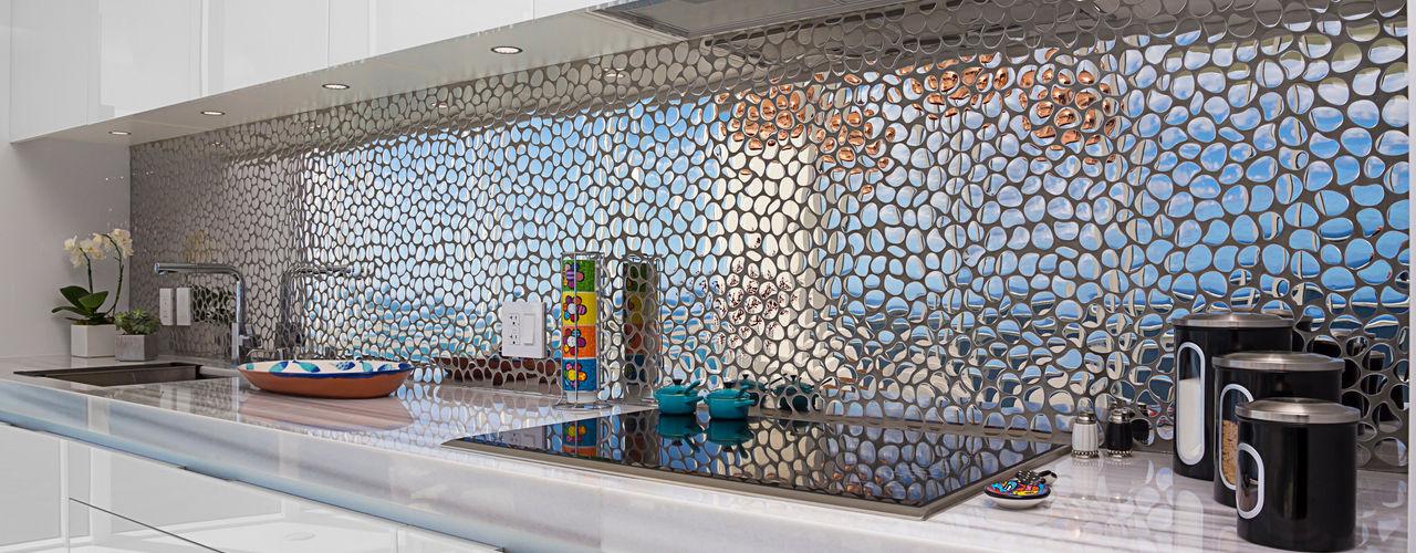 Infinity Spaces Modern kitchen