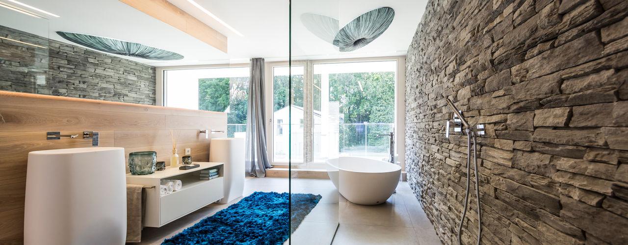 ARKITURA GmbH Baños modernos