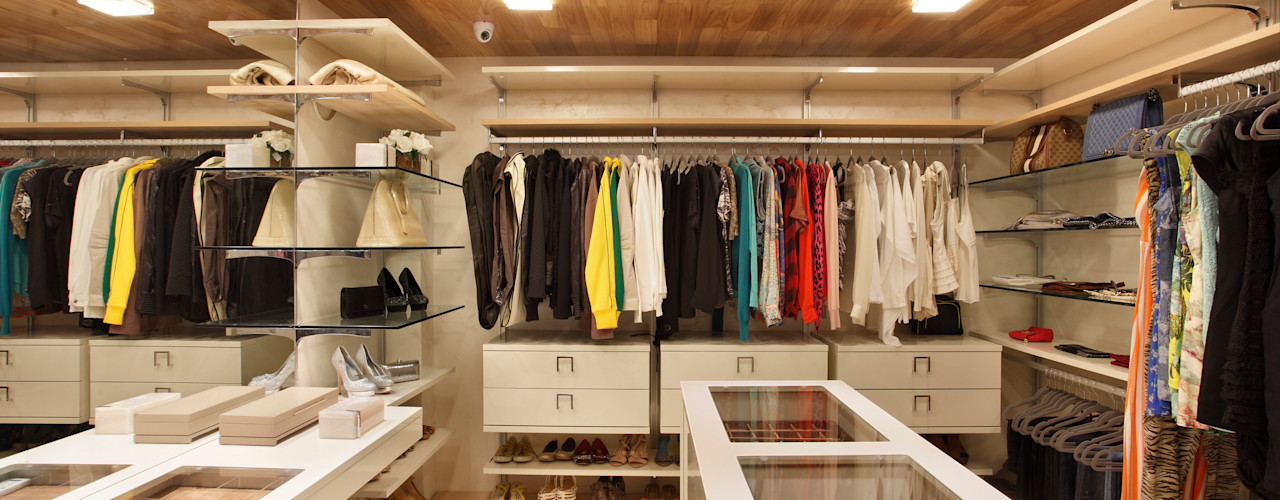 Leila Dionizios Arquitetura e Luminotécnica Modern dressing room