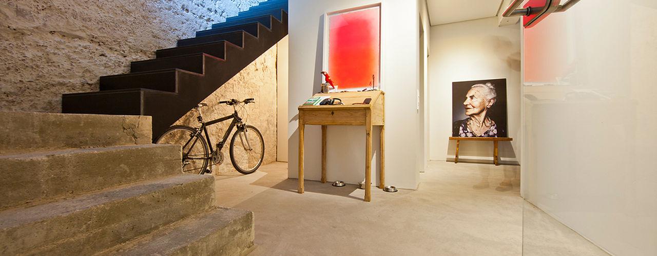CIP Architekten Ingenieure industrial style corridor, hallway & stairs
