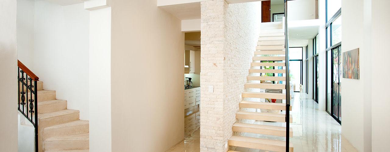 Taller Estilo Arquitectura Modern corridor, hallway & stairs
