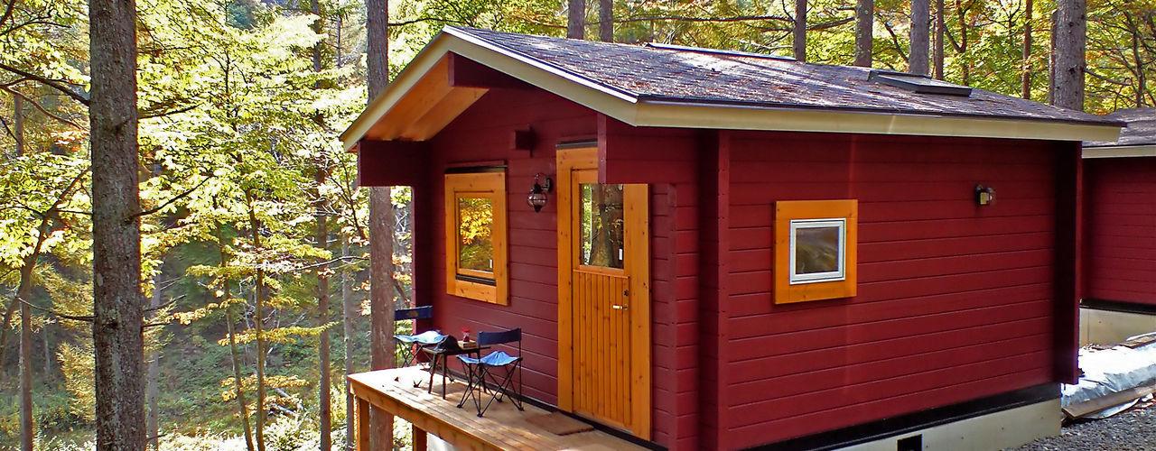 Bird House Lodge in Woods, Japan Cottage Style / コテージスタイル Casas de estilo rural Madera Rojo