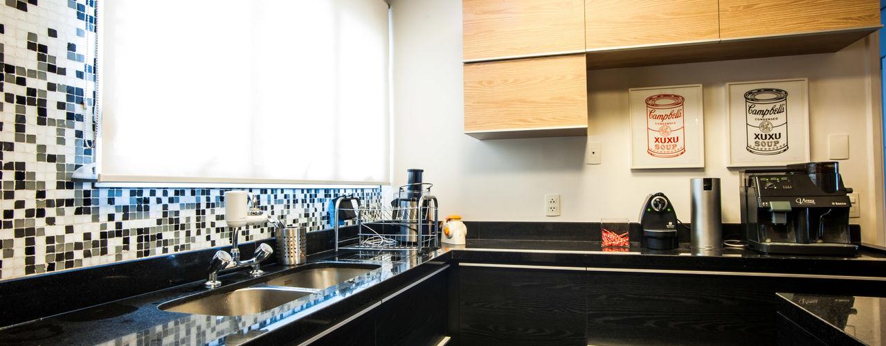 Casa 2 Arquitetos Modern Kitchen