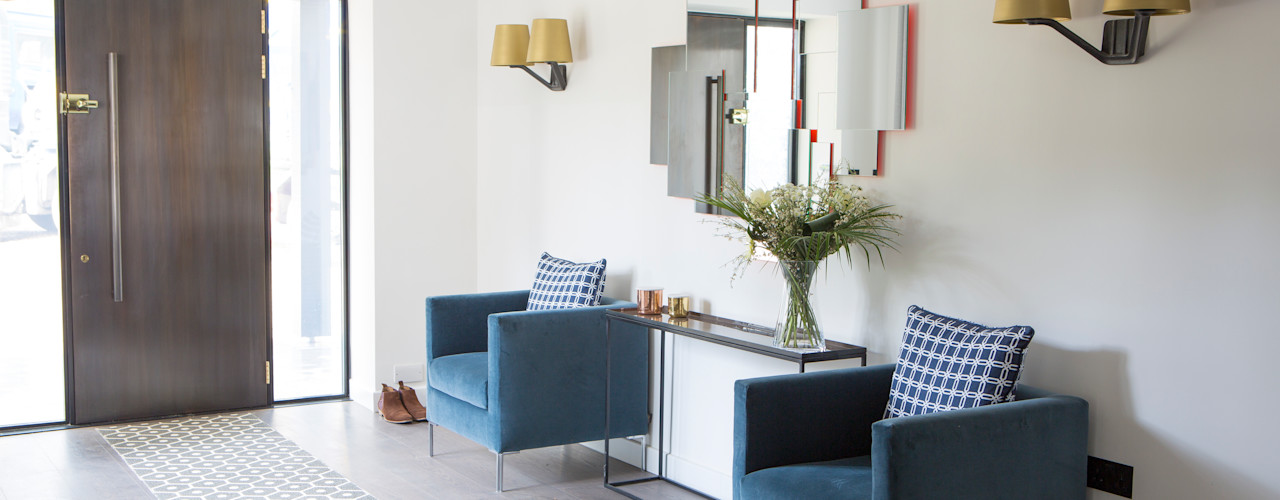 Private Residence, Surrey Nice Brew Interior Design Modern corridor, hallway & stairs