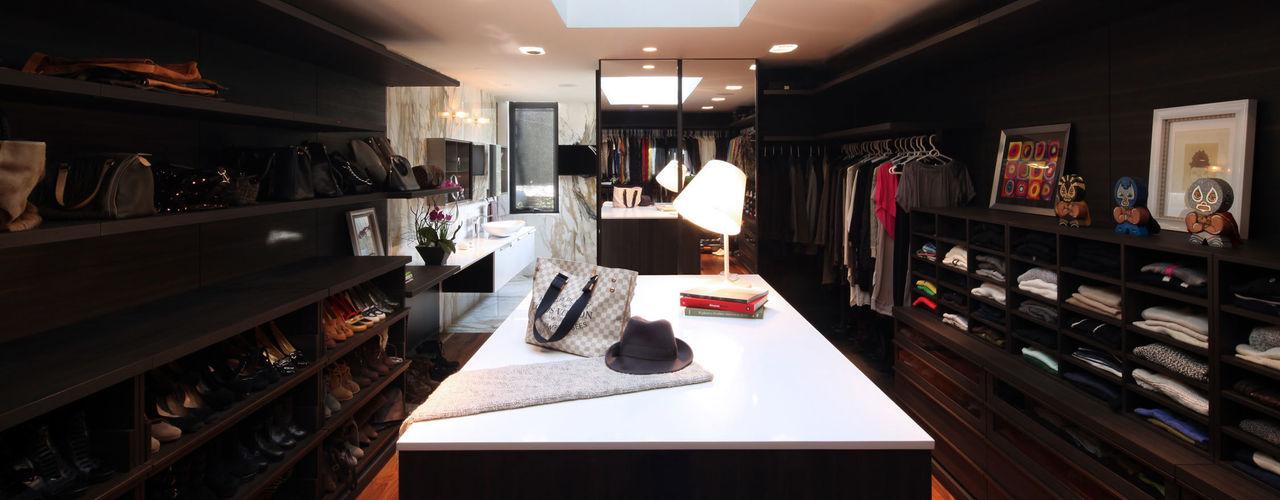 grupoarquitectura Minimalist dressing room