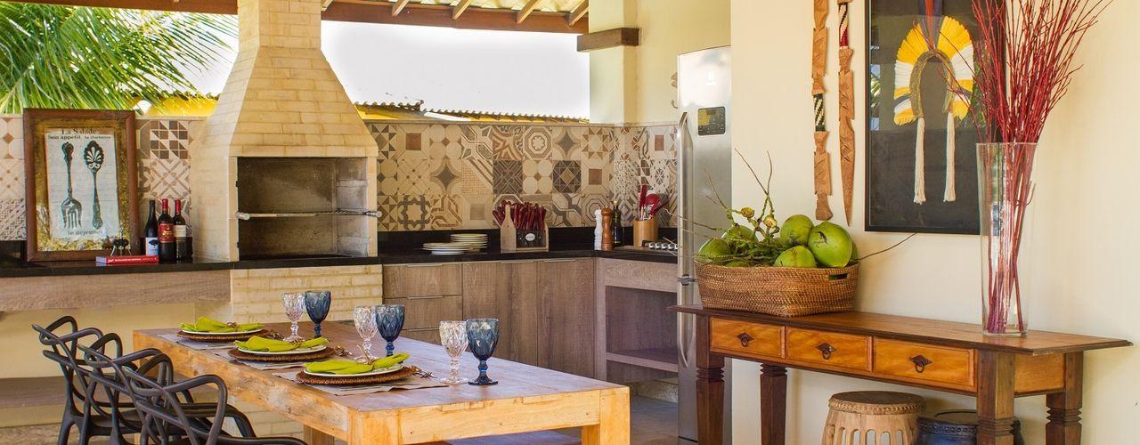 Jamile Lima Arquitetura Tropical style balcony, porch & terrace