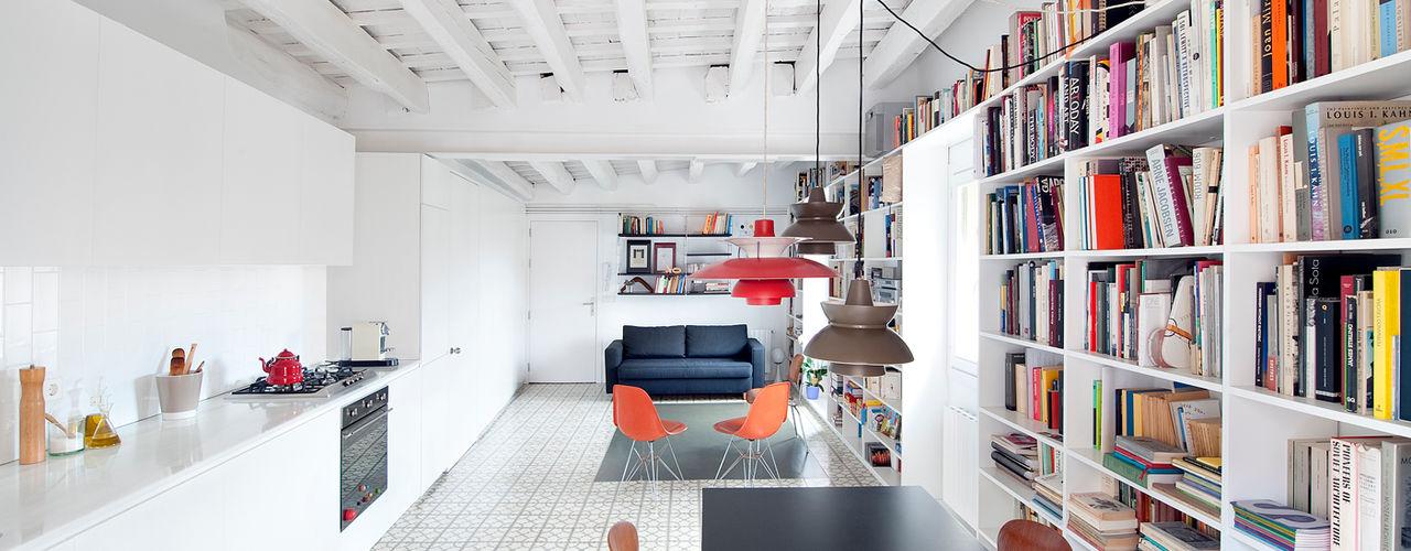 manrique planas arquitectes Modern dining room
