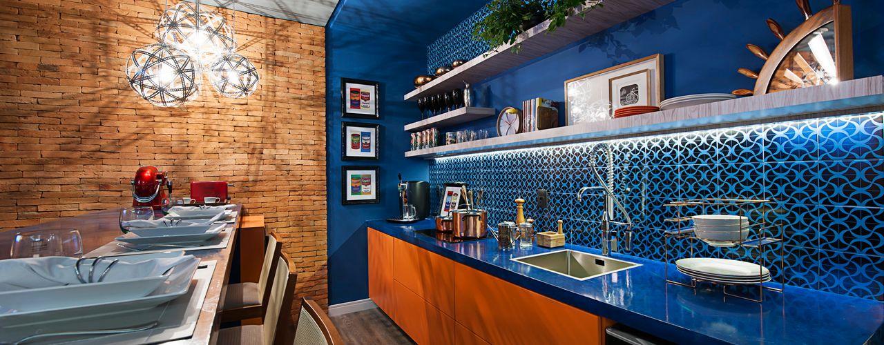 Cristiane Locatelli Arquitetos & Associados Modern Kitchen
