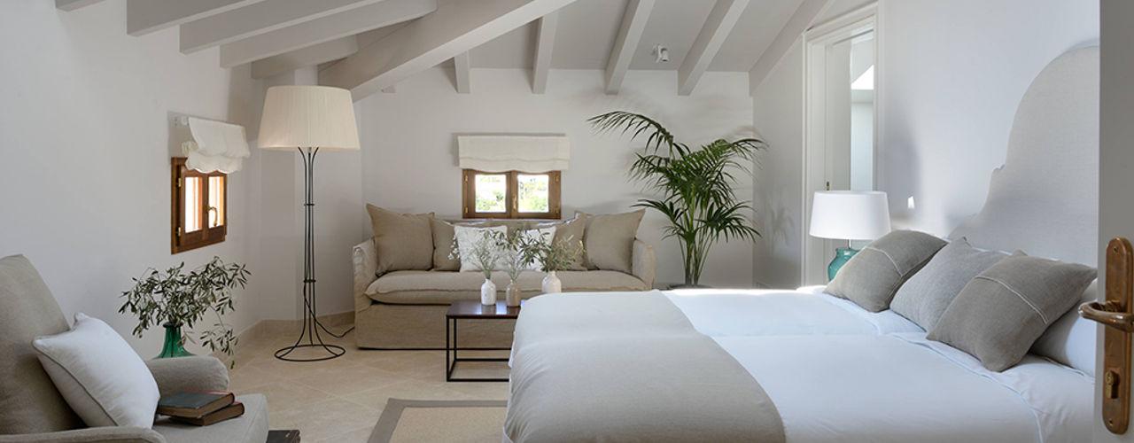 HOTEL CAL REIET – THE MAIN HOUSE Bloomint design Mediterranean style bedroom Beige
