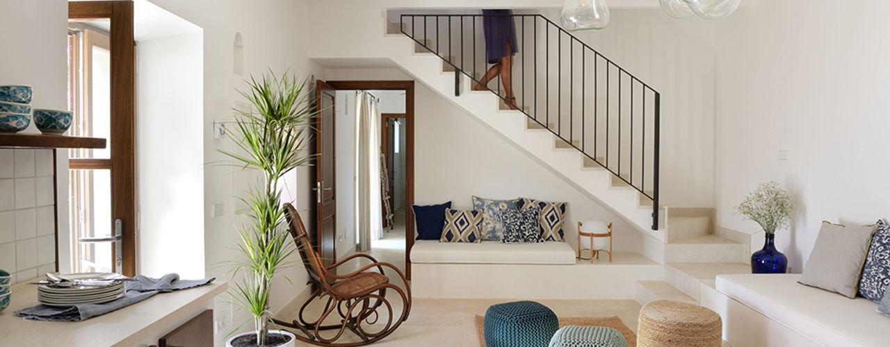 HOTEL CAL REIET – GUEST HOUSES Bloomint design Phòng khách phong cách Địa Trung Hải