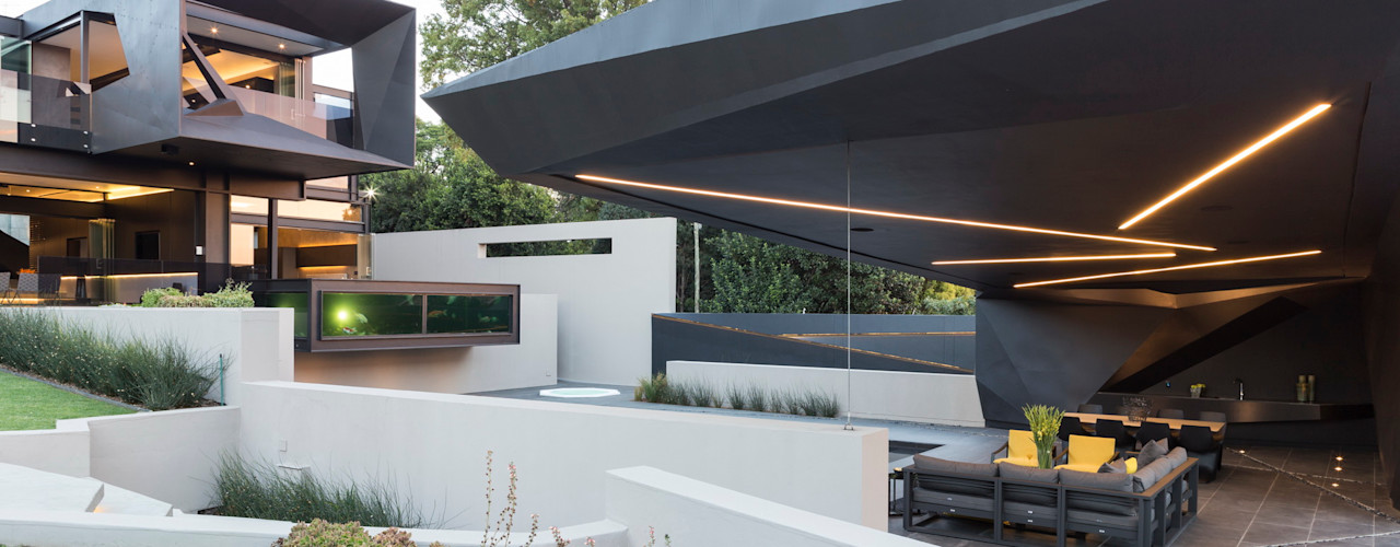 House in Kloof Road Nico Van Der Meulen Architects Balkon, Beranda & Teras Modern