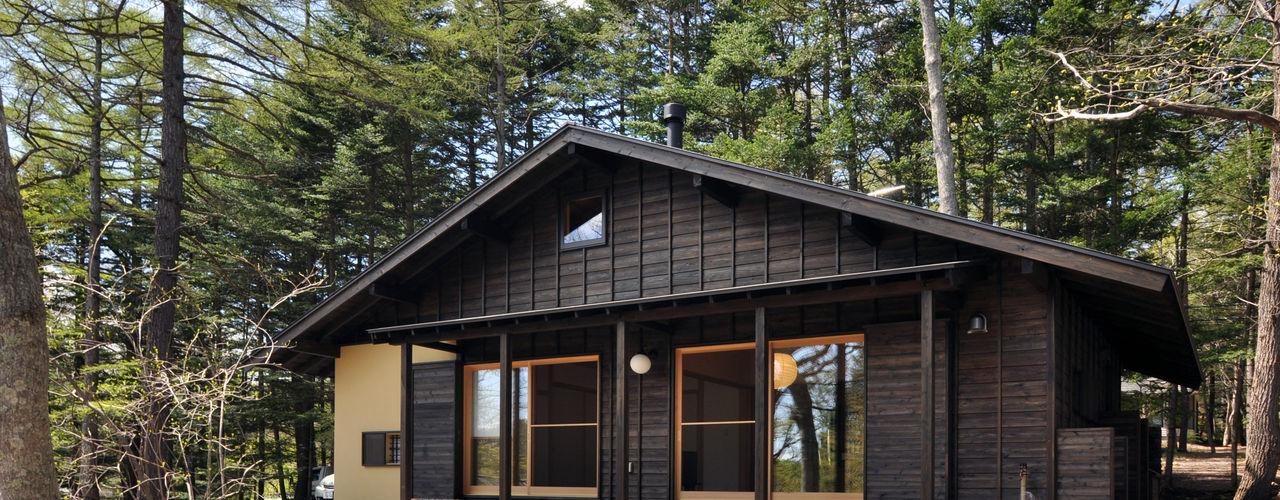 昭和モダンの木造住宅 モリモトアトリエ / morimoto atelier モダンな 家 木 黒色