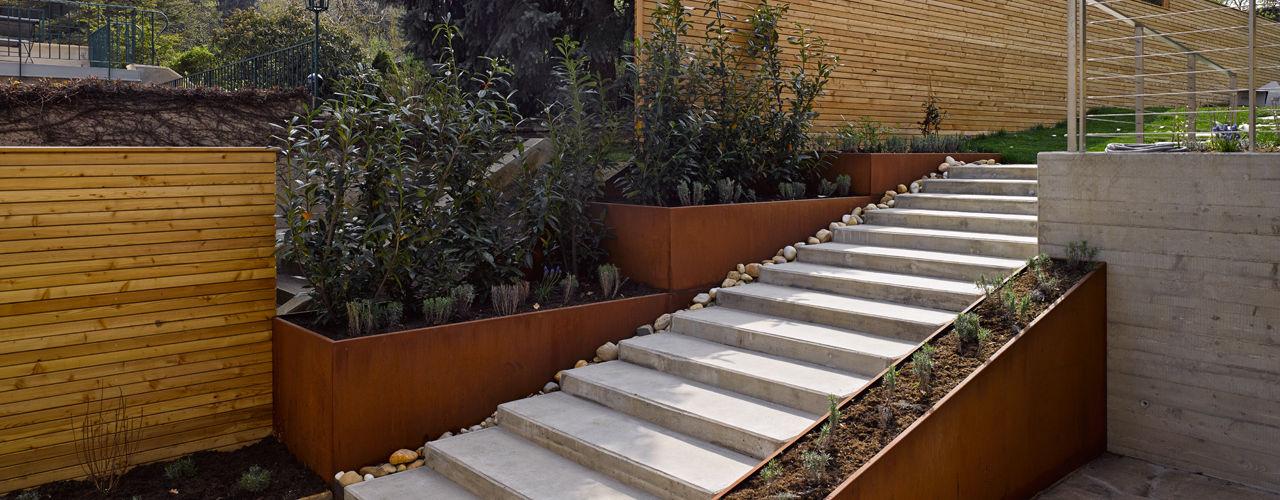 Mayr & Glatzl Innenarchitektur Gmbh Modern balcony, veranda & terrace