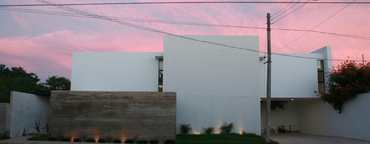 Casa RP TNGNT arquitectos Casas modernas