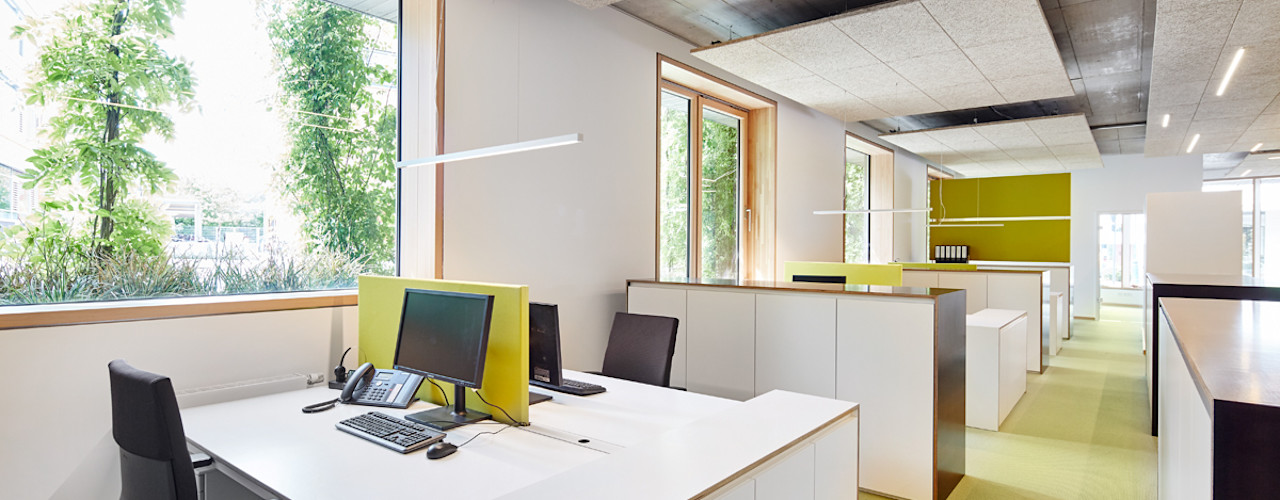 Neue Büroräume für BPD Immobilienentwicklung GmbH in Freiburg DOMANI INTERIOR. Möbel. Art. aus Freiburg Minimalistische Bürogebäude Weiß