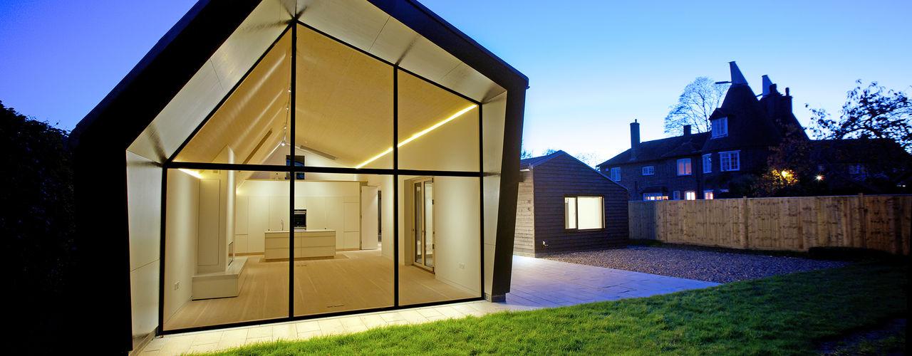 Bourne Lane Eco-House, Kent Nash Baker Architects Ltd Nhà Ly Black