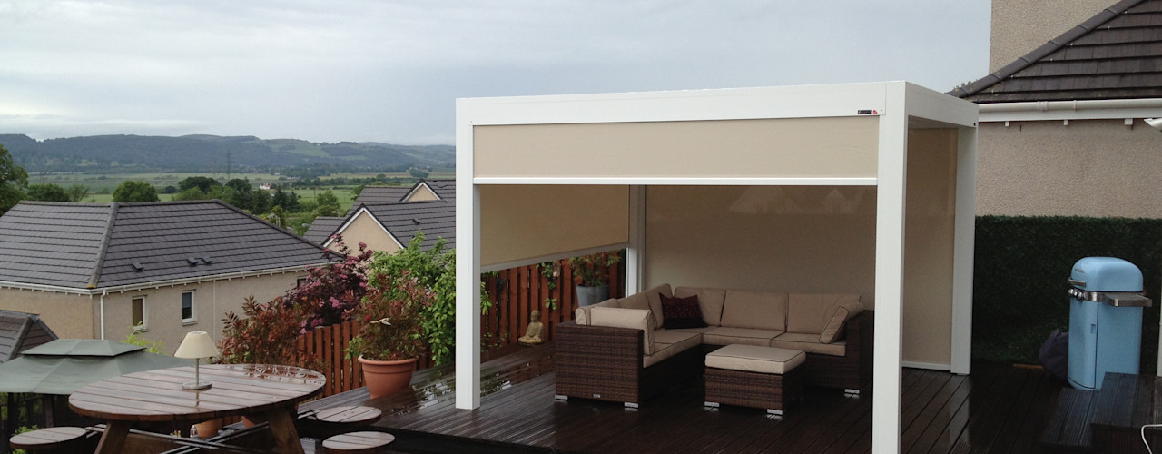 Outdoor Living Pod, Louvered Roof Patio Canopy Installation in the Scottish Borders. homify Modern garden