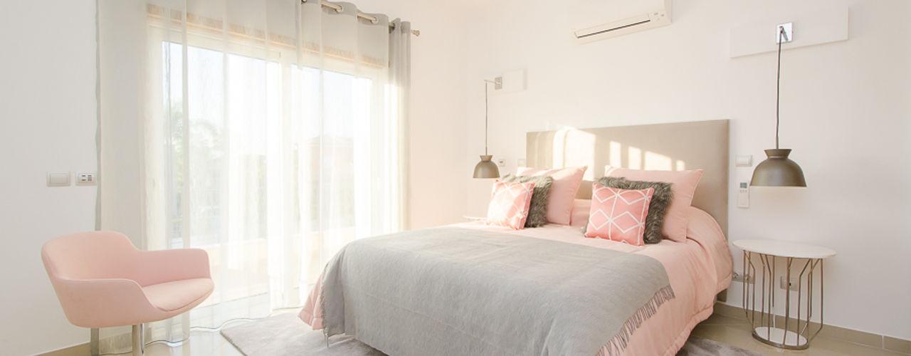 Private Interior Design Project - Vilamoura Simple Taste Interiors Camera da lettoLetti e testate