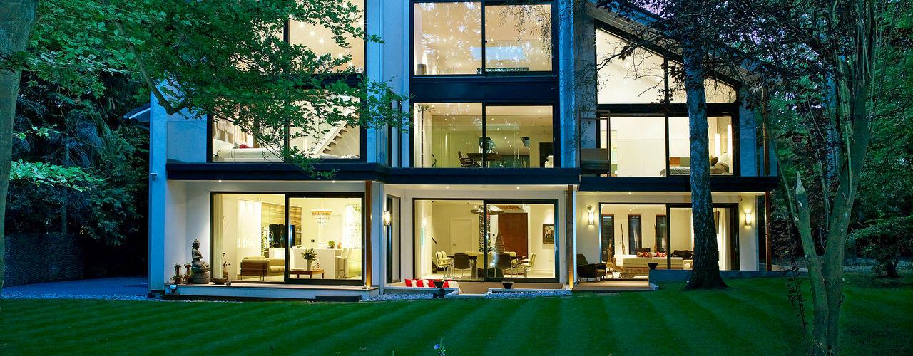 Luxury design house with Balinese flair Baufritz (UK) Ltd. Moderne Häuser