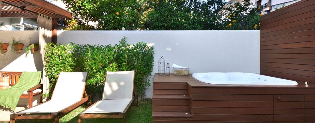 Stefani Arquitetura Rustic style garden Wood Green