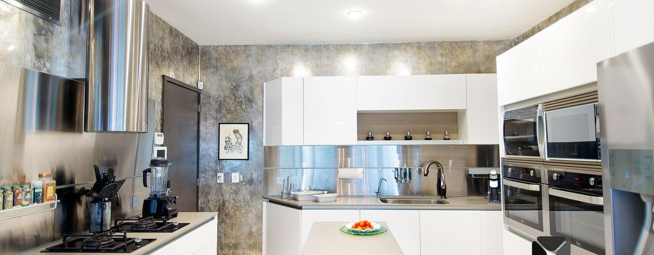 PORTO Arquitectura + Diseño de Interiores Eclectic style kitchen