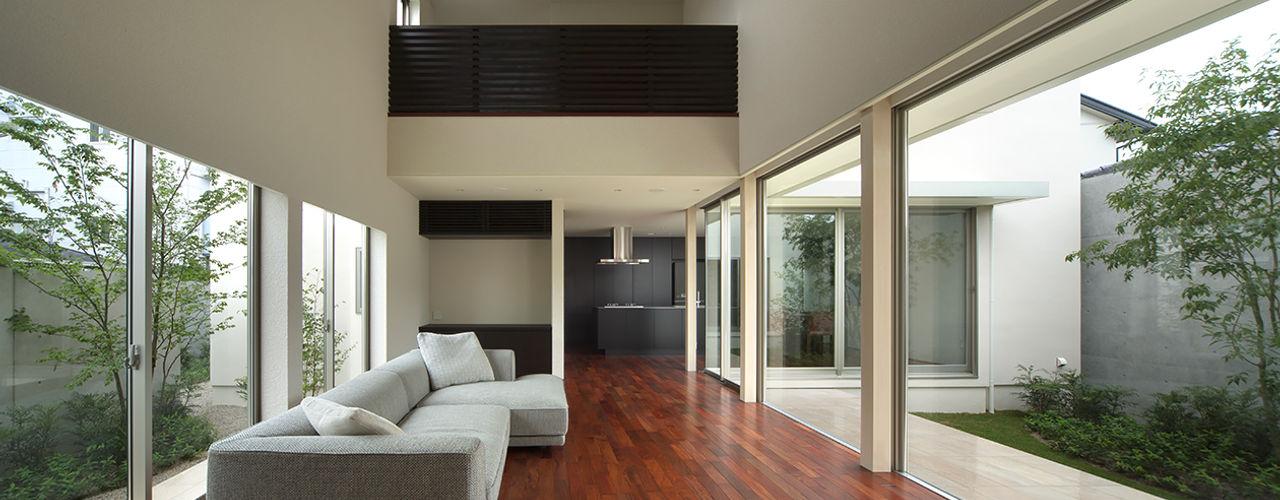 Terrace House Atelier Square モダンデザインの リビング 白色
