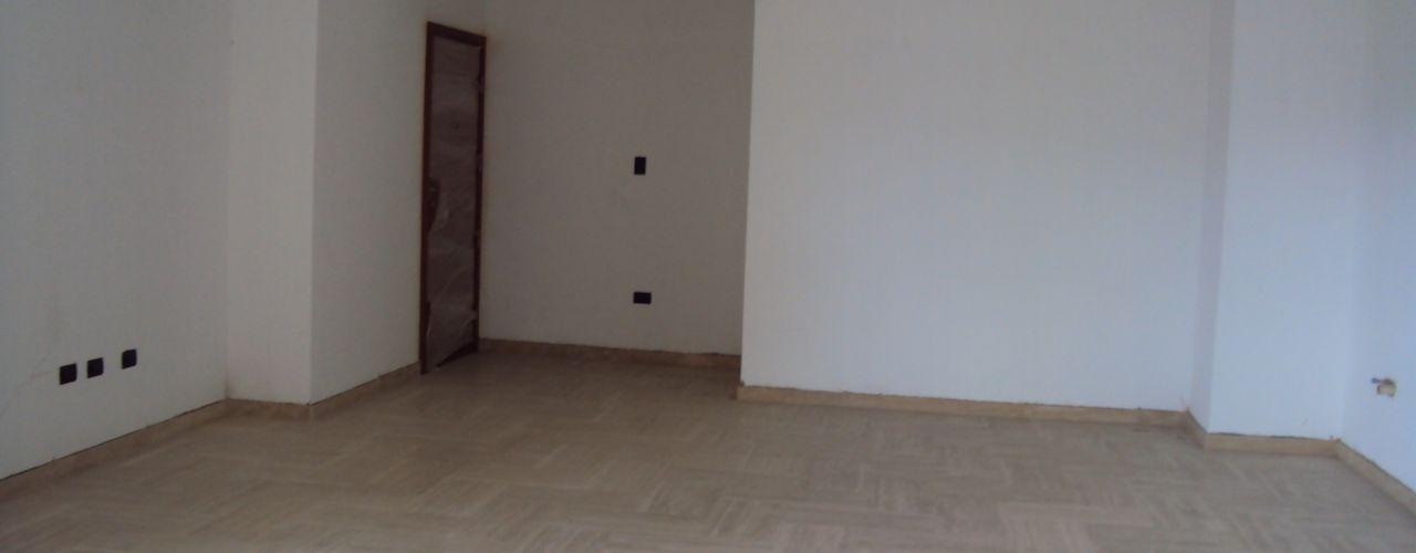 Antes y después: Ganando espacio y luz natural - Reforma de 350m2 Valencia Complementi Centro Decorativo