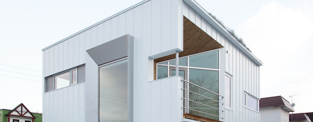 白箱の家(White BOX House) 一級建築士事務所 Atelier Casa ミニマルな 家 鉄/鋼 白色
