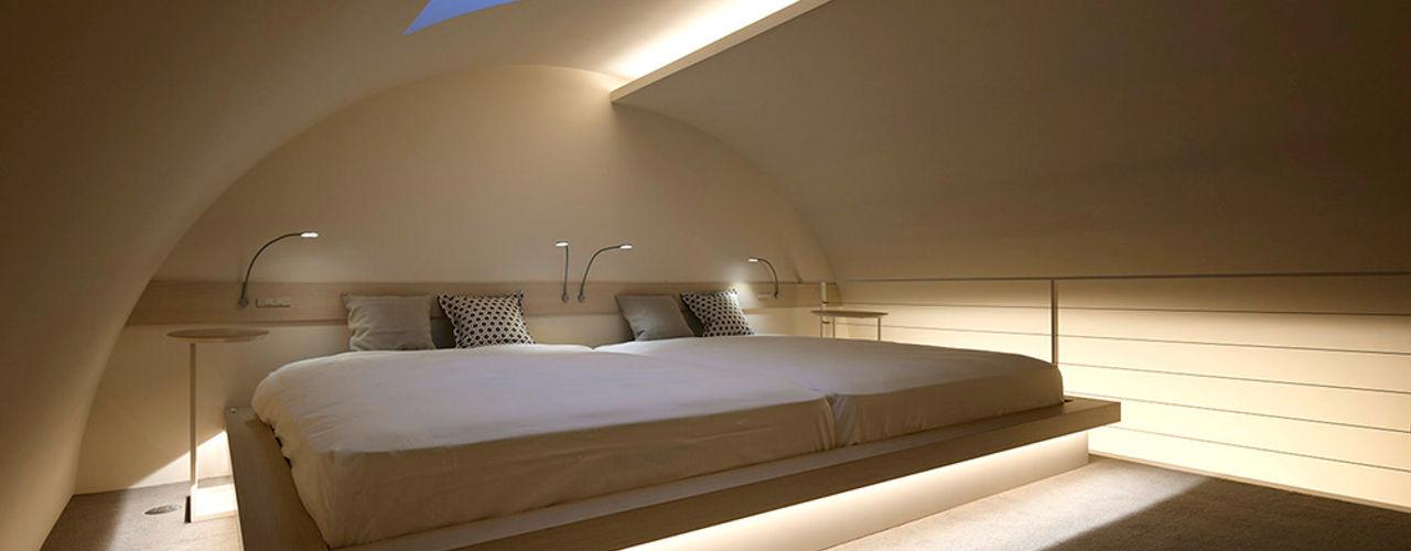 人形町の家 藤村デザインスタジオ / FUJIMURA DESIGIN STUDIO モダンスタイルの寝室 木 白色